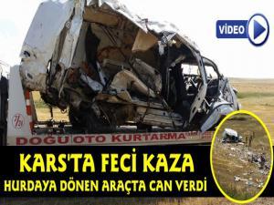 Kars'ta Feci Kaza Hurdaya Dönen Araçta Can Verdi