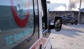 Cizre'de yardıma giden ambulansa ateş açıldı
