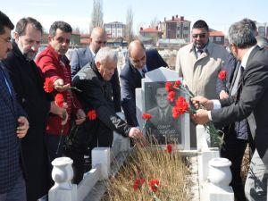 Merhum Gazeteci Daşdelen Kars'ta Anıldı
