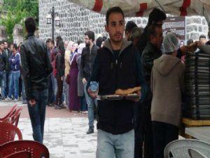 Harakani Sofrasında iftar yemeği