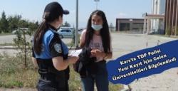 Kars'ta Polis Ekipleri Üniversite Kaydına Gelen Yeni Öğrencileri Bilgilendiriyor